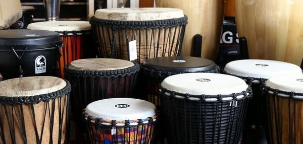 Instrumenty perkusyjne o etnicznych brzmieniach